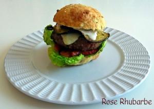 La recette du jour: Burger d'agneau aux saveurs méditerranéennes dans Plats p1030980_modifie-1-copie-640x480-300x212